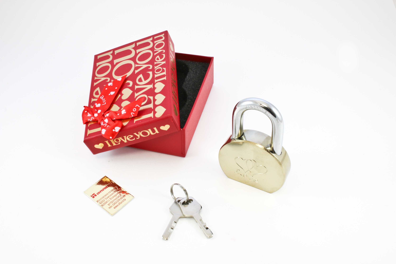 Замок навесной АЛЛЮР СУВЕНИР lOVE в подарочной упаковке (9605)