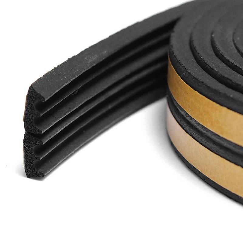 Уплотнитель Е150 самоклеящийся  резиновый 9*4 мм черный REMONTIX (9342)
