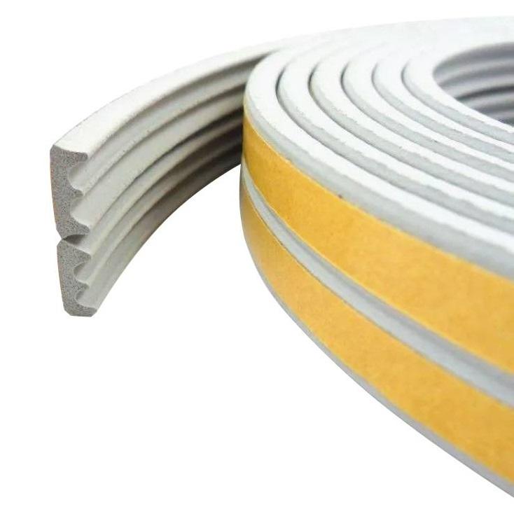 Уплотнитель Е150 самоклеящийся  резиновый 9*4 мм белый REMONTIX (7071)